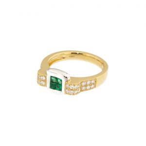 photo of an emerald and diamond ring