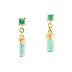emerald earrings in yellow gold