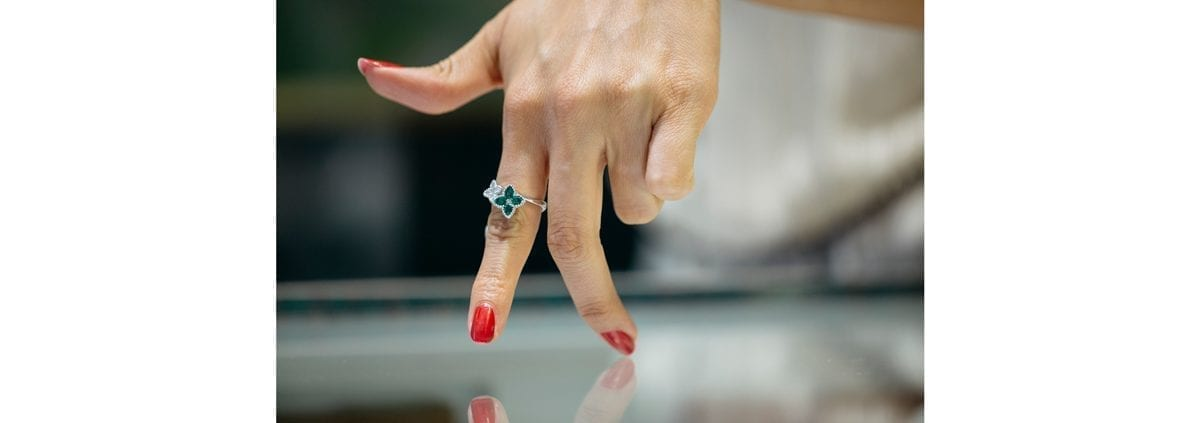 ladies ring on a models hand