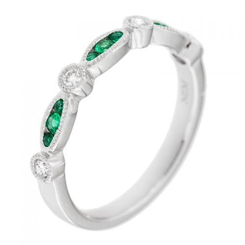 Ladys Emerald & Diamond Band Ring